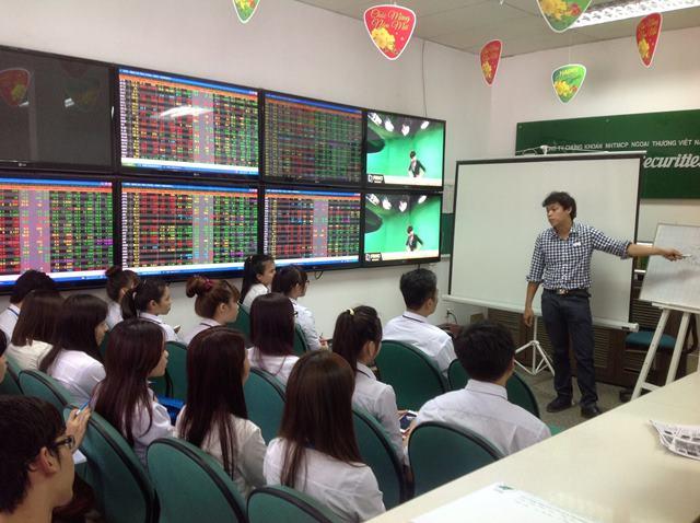 trau đồi thêm kiến thức về thị trường chứng khoán