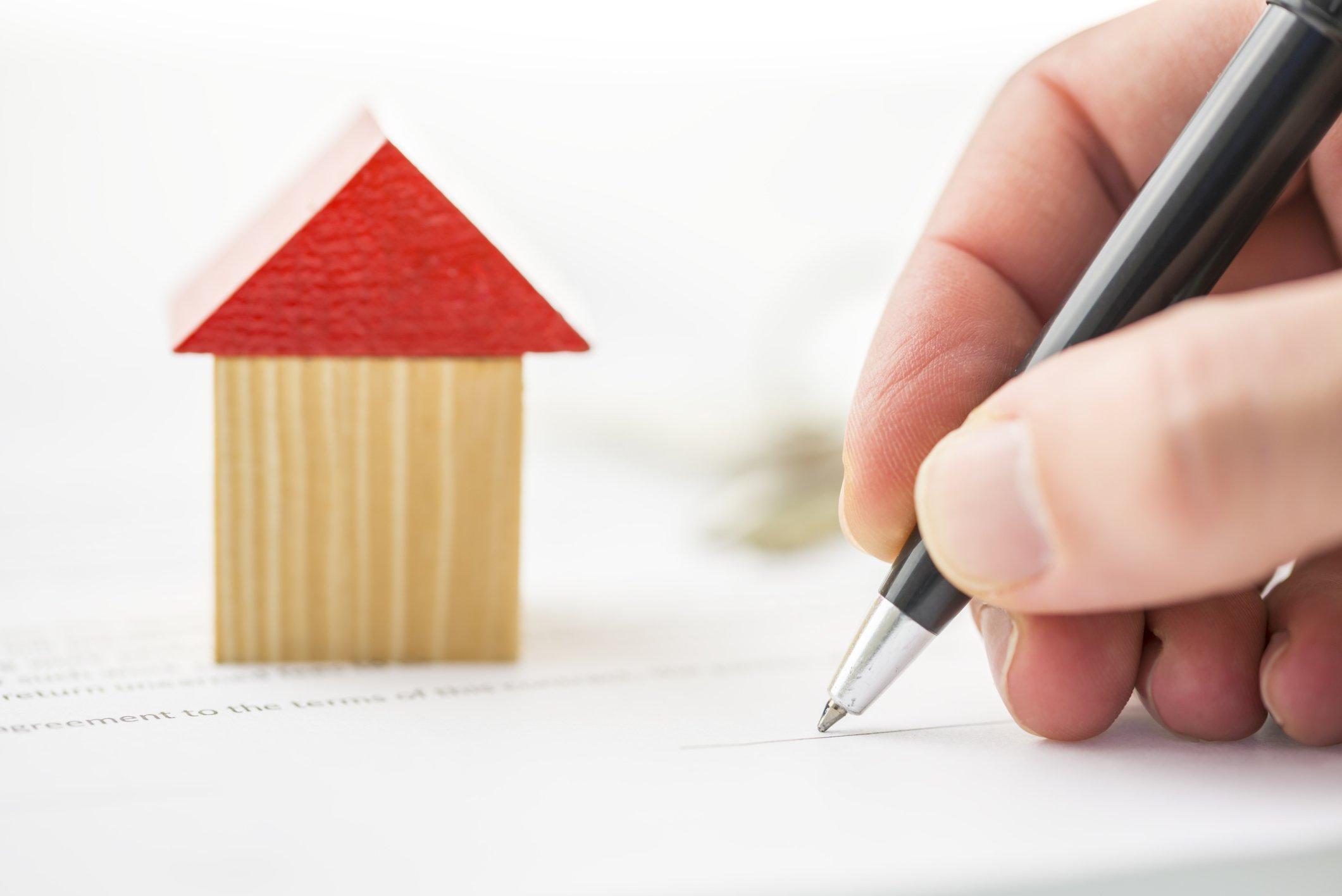 Thủ tục mua bán nhà đất đã có sổ hồng được thực hiện như thế nào?